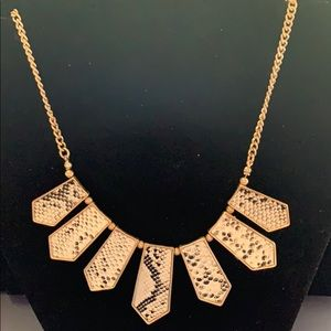 Collar style necklace